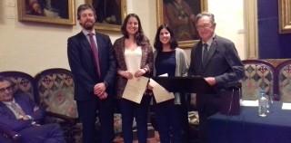 Premi per a Laia Closas i Maria Viladomiu (concurs redisseny logo 2017)